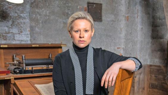 Emmi Parviainen näyttelee Nyrkki-sarjassa.