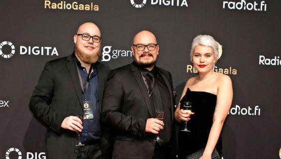 Womma, Hermanni ja Bertta Seppälä Radiogaalassa.
