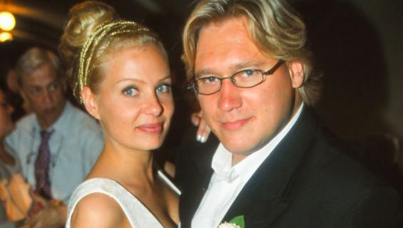 Samuli Edelmann ja Laura Tuomarila avioituivat 20 vuotta sitten.