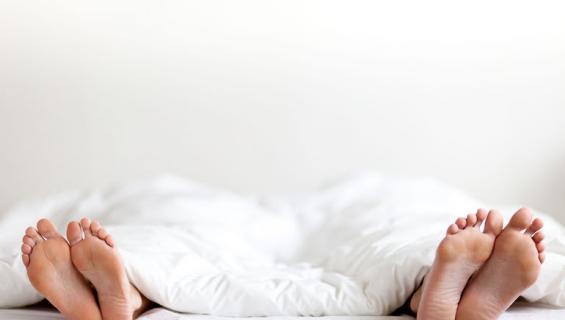 Pariskunnilla on usein omat puolensa sängyssä.