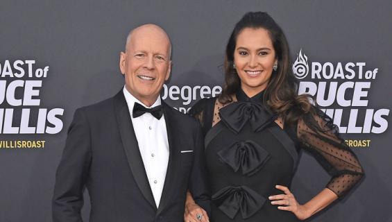 Bruce Willis myy taloaan.