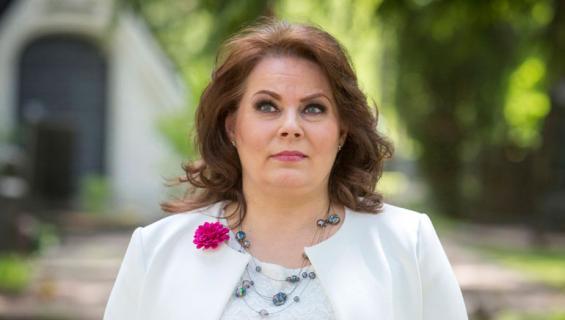 Nina Mikkonen kärsii uniongelmista.