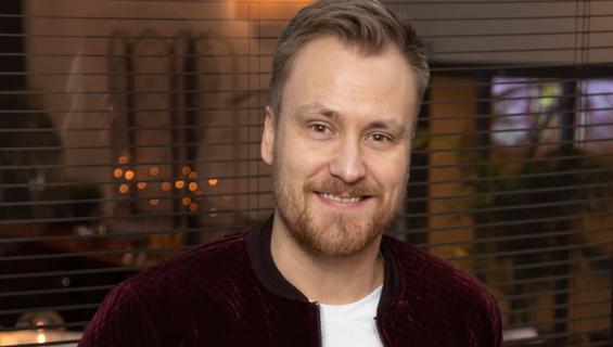 Heikki Paasonen oli äänekkäänä baaritiskillä.