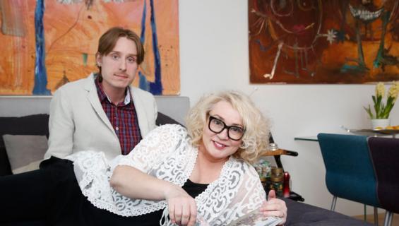 Susanna Indren ja Samuli-rakas esittelevät lemmenpesänsä.