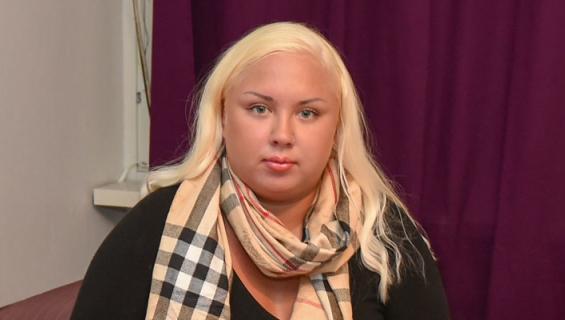 Henna Kalinainen keskittyi lonkeroon.