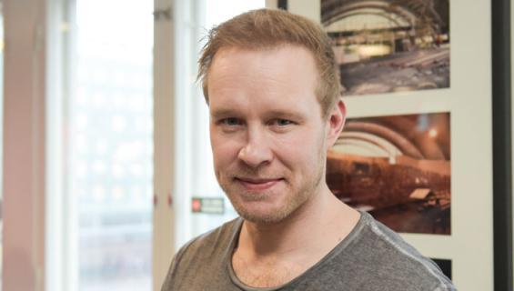 Janne Niinimaa riehui baarissa.