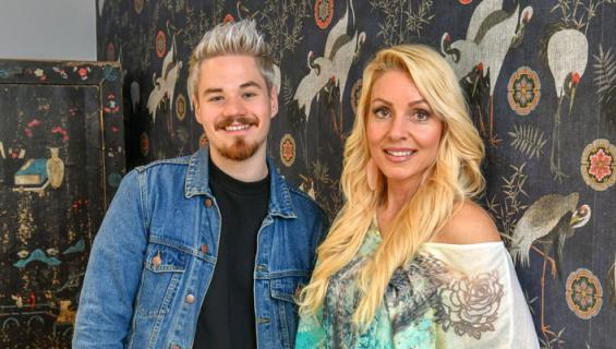 Miska Haakana ja Virpi Kätkä juhlivat homobaarissa.