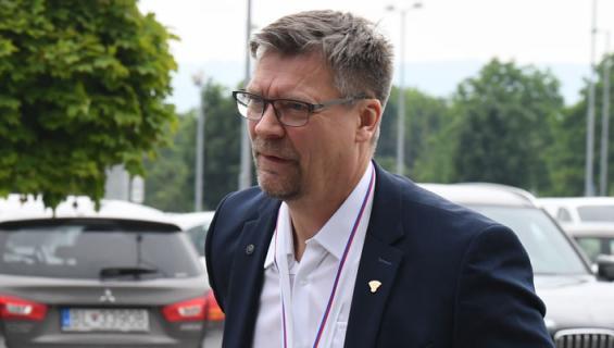 Jukka Jalonen juhli mestaruutta.