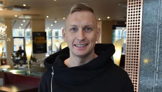 Marko Vainio osallistui Pride-kulkueeseen.