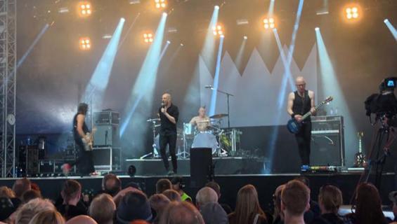 Herra Ylppö esiintyi Tuskassa.