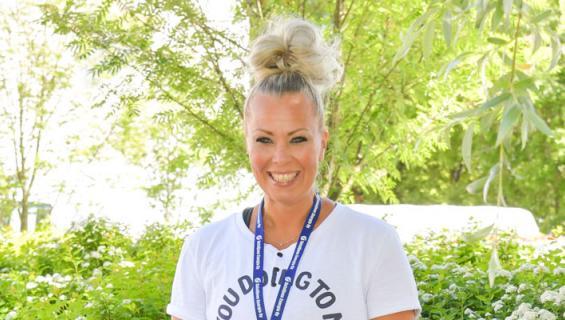 Johanna Pakonen seurustelee Hunks-Antin kanssa.