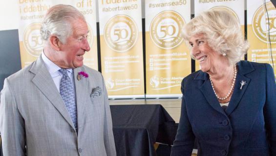 Charlesin ja Camillan matkustelu maksoi paljon.
