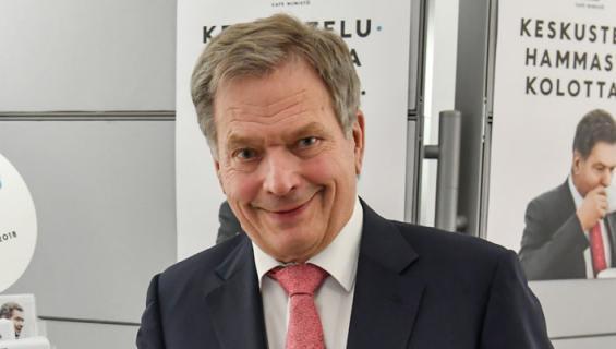Sauli Niinistö osti lenkkarit.