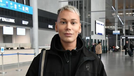 Joni Virtanen riehui baarissa.
