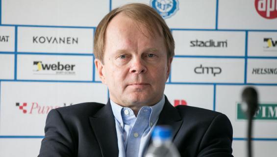 Lyytikäinen asuu Helsingissä upeassa merenrantatalossa.