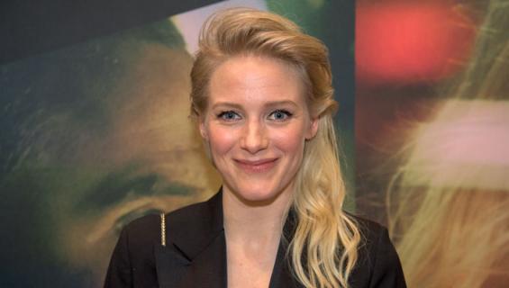 Laura Birn sai Helana-elokuvan kuvaukset valmiiksi.