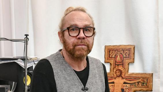 Jussi Parviainen esitti Juska Paarmaa.