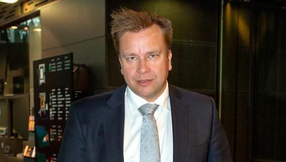Antti Kaikkonen on kahden asunnon loukossa.