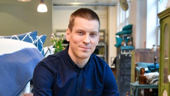 Antti Holma avautuu työtilanteestaan.