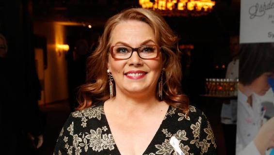 Nina Mikkonen avautuu taloushuolistaan.