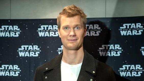 Joonas Suotamo näyttelee Star Warsissa.