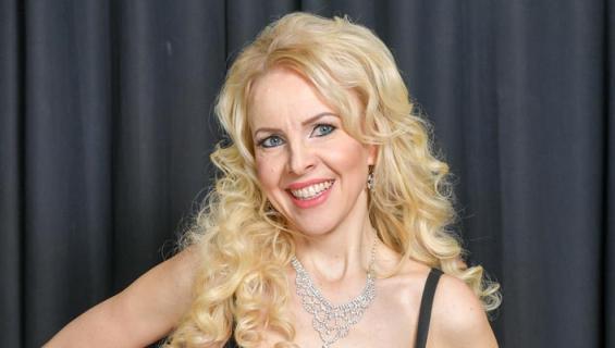 Kirsi Rissanen riisui Playboylle.