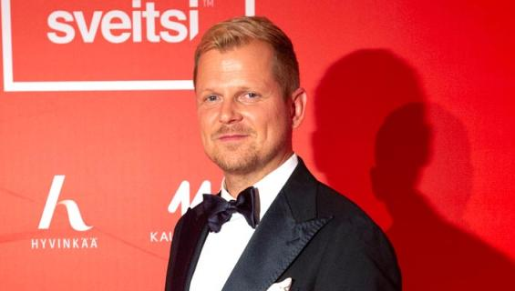 Antti Luusuaniemellä on pitkä parisuhde.