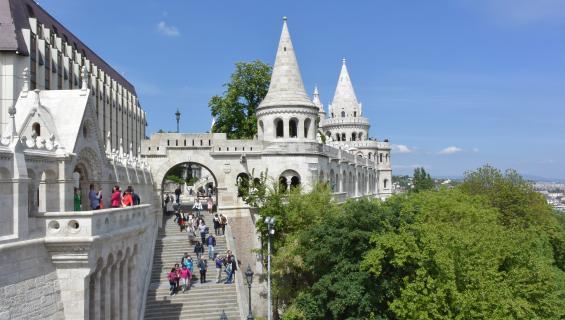 Monipuolinen kaupunkikohde Budapest - matkusta, majoitu, syö ja juo!