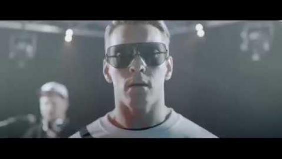 Tältä näyttää Cheek-elokuva: Antti Holmalla haastava tuplarooli – katso traileri!