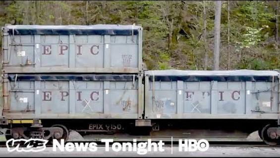 Kakkajuna jäi jumiin pikkukaupungin kohdalle - sietämätön haju piinasi asukkaita pari kuukautta! Katso video!