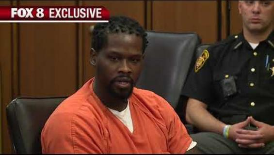 Tuomari määräsi syytetyn suun teipattavaksi - katso video!