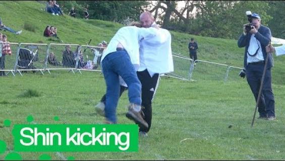 Nyt nasahtaa ja ai että tekee kipiää! Englannissa kisattiin sääreen potkimisen mestarudesta!