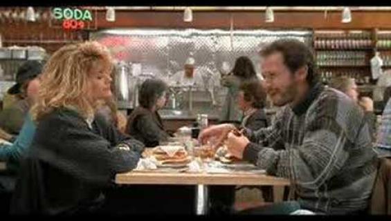 """Video: Muistatko Kun Harry tapasi Sallyn-elokuvan roisin """"orgasmikohtauksen"""" ravintolassa? Nyt sama ravintola järjesti orgasmikisan!"""