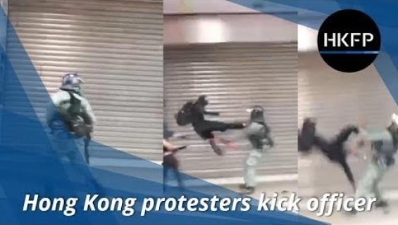 Potku kuin kung fu -elokuvasta! Mielenosoittaja Hong Kongissa pelastaa kaverinsa poliisin kynsistä - katso hurja video!