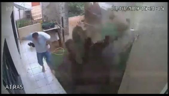 Tuholaistorjunta överiksi: Mies räjäytti pihansa!