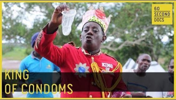 """HIV historiaan! Kenian kondomikuningas Stanley Ngara valistaa omintakeisella tyylillä: """"Voimme pysäyttää taudin leviämisen"""""""