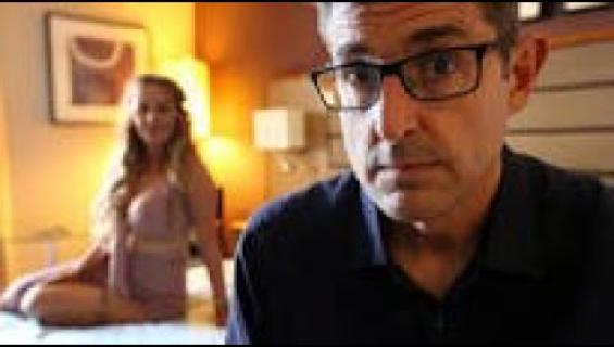 """""""Olen aina märkänä!"""" Seksityöntekijä saa toimittaja Louis Theroux'n mykistymään kesken haastattelun - katso!"""