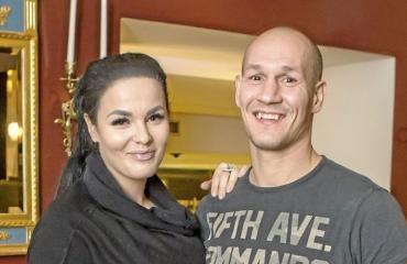 Nadia Ammouri ja Amin Asikainen.