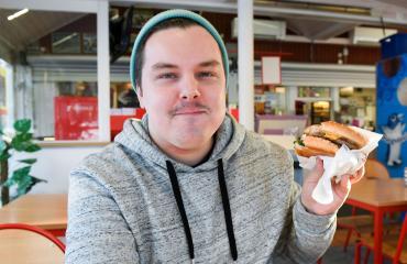 Seiskan toimittaja testasi Bottas-Burgerin.