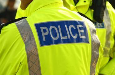 Poliisi pidätti vaimoaan kuristaneen miehen.