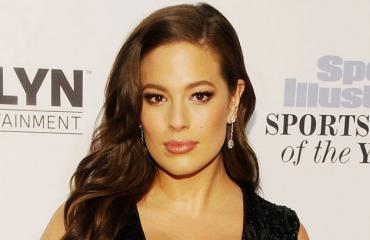Ashley Graham poseeraa