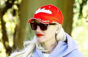 Gwen Stefani kävelyllä Los Angelesissa