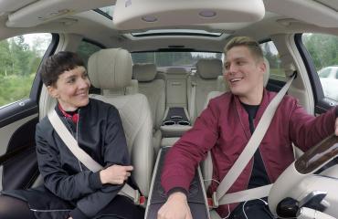 Maria Veitola ja Cheek autonratissa