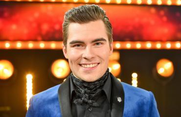 Kalle Lindroth on BumtsiBumin uusi juontaja.