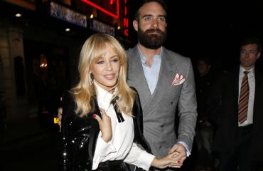Kylie Minogue ja Joshua Sasse