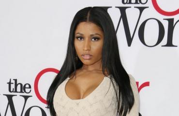 Nicki Minaj punaisella matolla