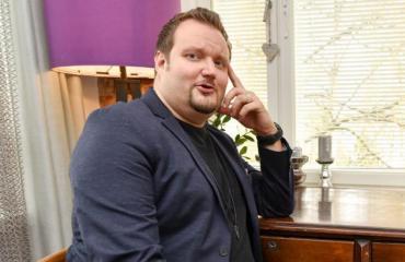 Sami Hedberg poseeraa Seiskalle