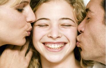 Ihmiset alkavat muistuttaa vanhempiaan kolmikymppisenä.