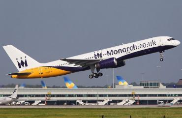 Monarch Airlines tarjoaa mukaville asiakkaille etuja.