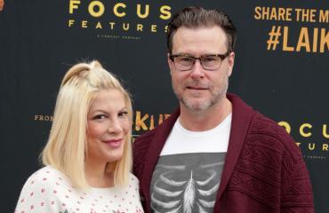 Näyttelijä Tori Spelling ja aviomies Dean McDermott